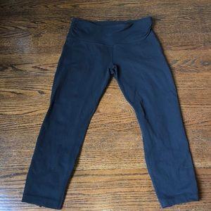 Lululemon size 6 cropped zipper leggings